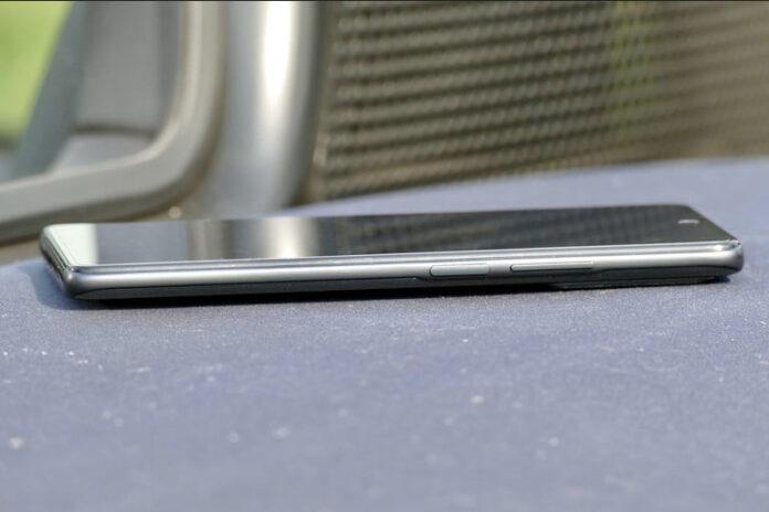 «Зачем он вообще существует?» - западные эксперты отреагировали на результаты тестирования Xiaomi 11T Pro