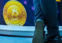 Эксперты назвали причины падения биткоина и оценили его перспективы на ближайшее будущее