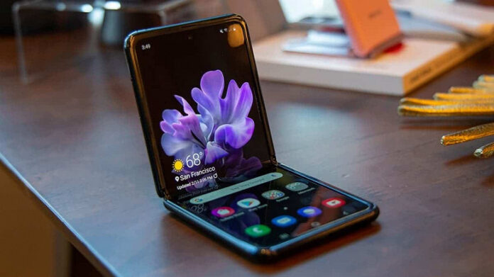 Бросать на кровать нельзя: в Samsung могут определить, падал ли Galaxy Z Flip 3 с расстояния более 1 метра