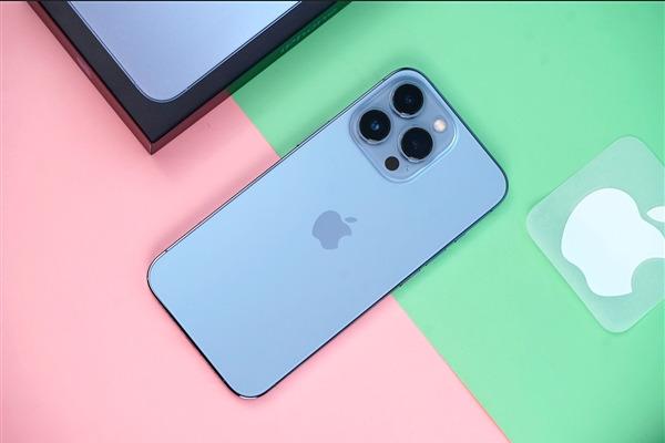 Смартфоны семейства iPhone 13 удивили специалистов феноменальной автономностью