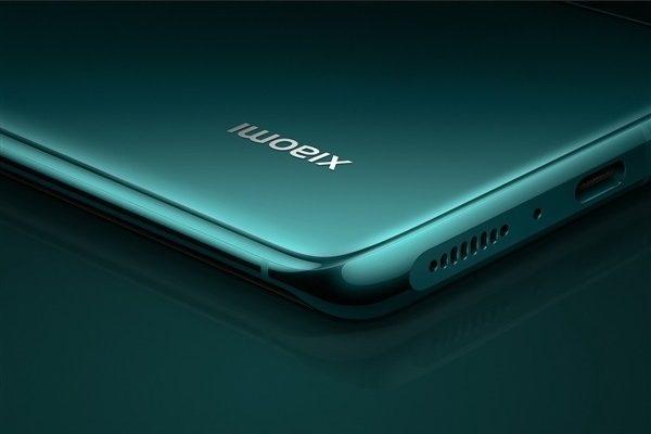 Xiaomi 12 прочат керамический корпус и аккумулятор на 5000 мАч